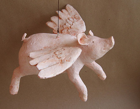 Paper mache flying pig papercraft juxtapost for Making paper mache animals