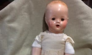 How to restore an antique doll