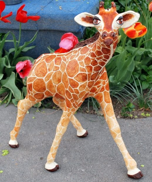 How to make a giraffe with paper mache