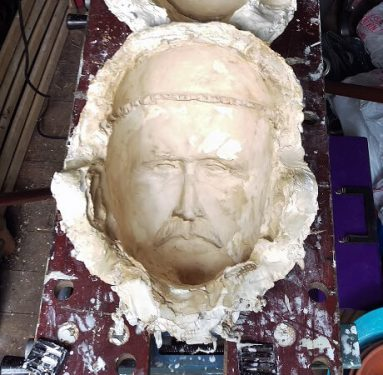 How to use a plaster mould for paper mache clay