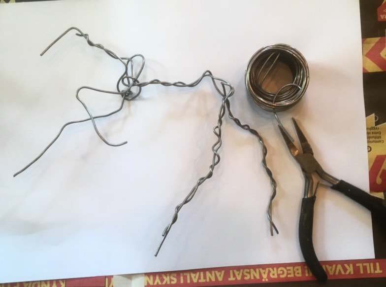 Creating the horse armature with wire.