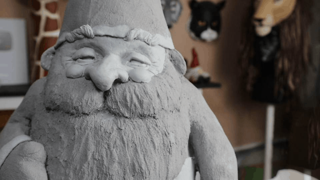 Sculpting the gnome's face with Magic Sculpt