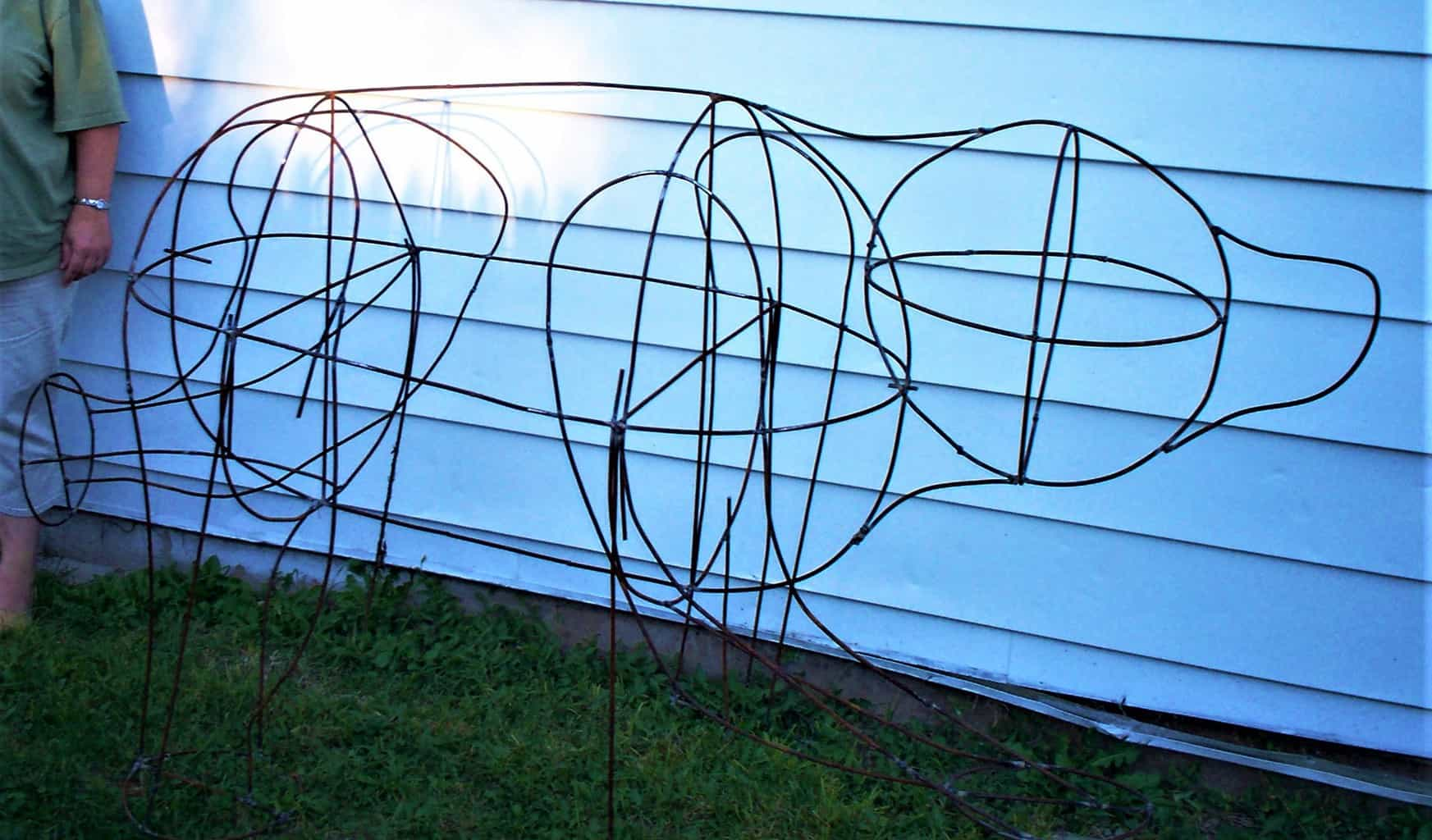 Metal Art Bear With Steel Rods