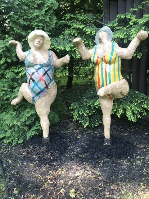 Dancin Grandmas Yard Art