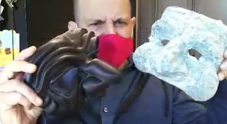 Making a paper mache mask