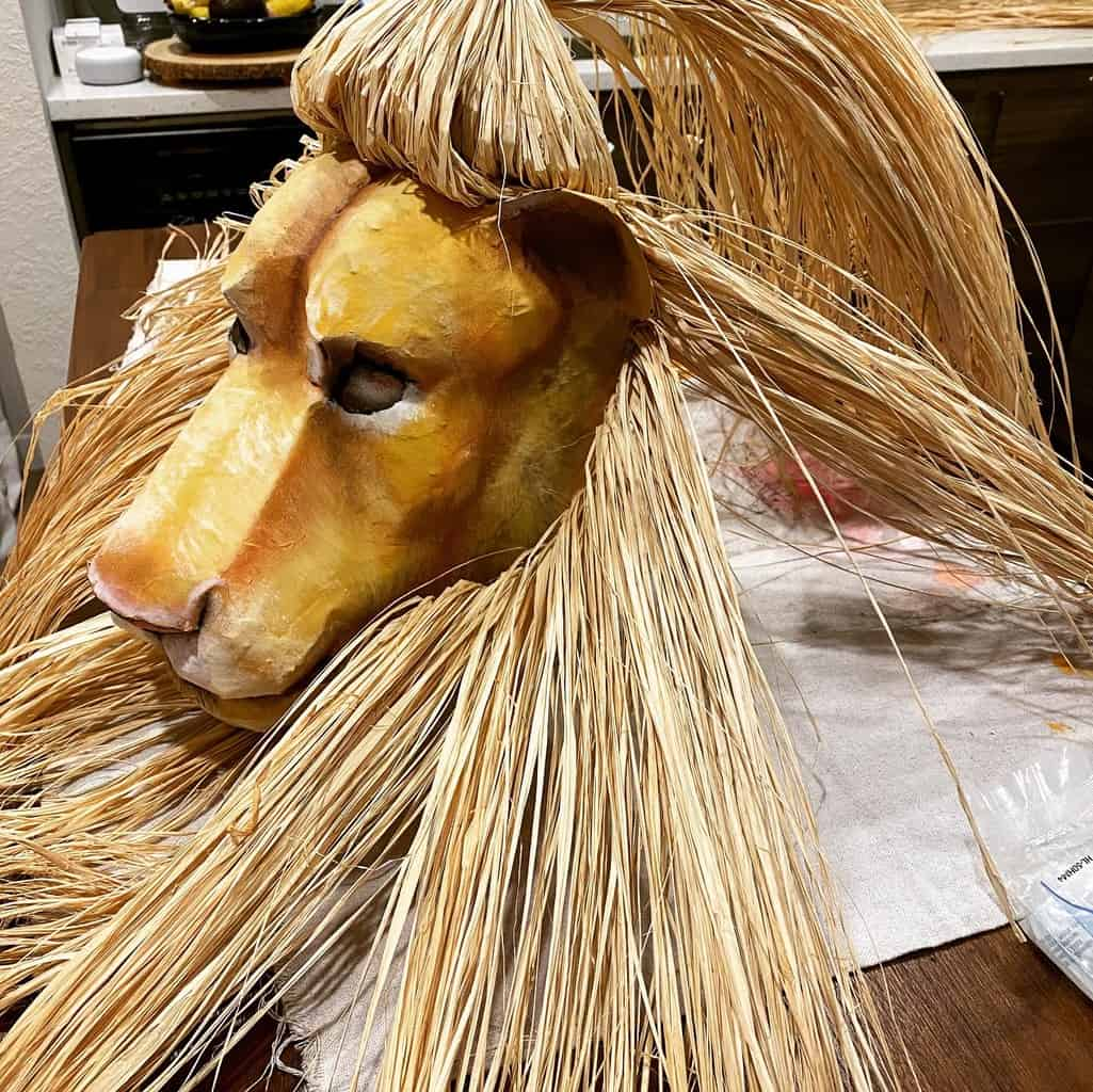 Adding the mane to the Dandy Lion mask