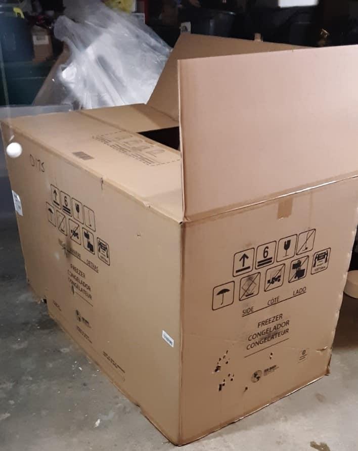 Cardboard mini-bar - the box