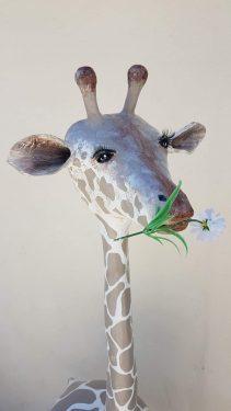 Boulerafe - paper mache giraffe