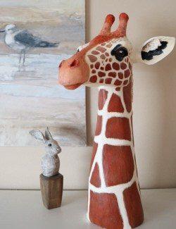 giraffe sculpture pattern